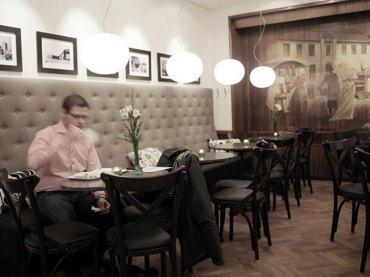 Modulsoffor till restaurangmiljö